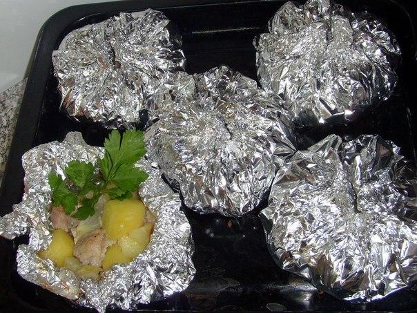 Свинина в духовкеы в фольге с картофелем