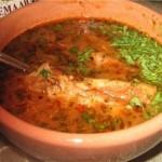 Ингредиенты:400 г говядины на кости2-3 крупных луковицы4 ст. ложки риса4…