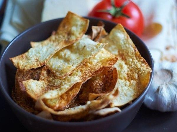Рецепт чипсов из лаваша с сыром в духовке с фото