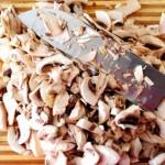 Слоеные конвертики с грибами