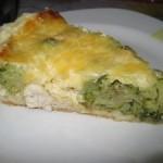 Сочный пирог с курицей и брокколи