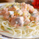 Семга в сливочно — чесночном соусе