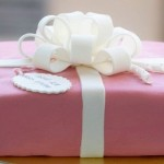 Кулинарная мастика – прекрасный декоративный и съедобный материал для тортов и простых пирогов и кексов