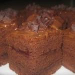 Очень нежный и пушистый получается шоколадный бисквит!