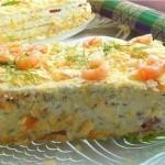 Закусочный торт «Наполеон» с подкопченной сёмгой, печенью трески и икрой селёдки.