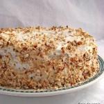 Миндально-брусничный торт