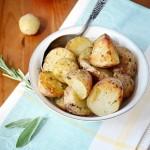 ✔     Запечённый молодой картофель с сыром и чесноком