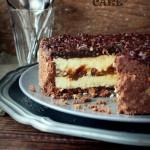 Молочный торт с карамелью и шоколадом
