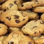 Печенье с шоколадными кусочками.