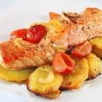 ✔  Лосось с картофелем, запечённый в духовке
