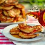 ✔   Дрожжевые оладьи с яблокамиИнгредиенты:Молоко 500 мл;Мука пшеничная 500 г;Сухие дрожжи 3+1/2 ч