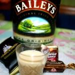 ЛИКЕР Бэйлиз BaileysИнгредиенты :сливки ( 10% ) — 250 млсгущенное молоко — 1 банкаконьяк — 300 мляйцо ( желтки ) — 5 шт