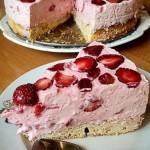 Торт с творожно-клубничной начинкой