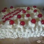 Торт «Любимой мамочке» — С персиками и взбитыми сливками.