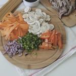 Лапша с говядиной и овощами